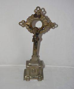 Madamvintage - kruisbeeld staand metaal