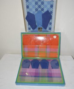 Wollen kussens - krukjes - macramé- & gordijnen - tapijt - tafelkleed