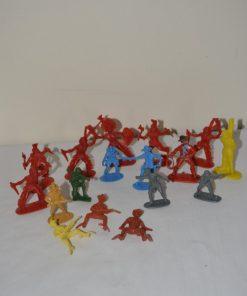 Madamvintage - plastic indianen en soldaten