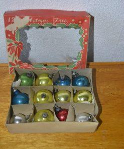 Madamvintage - Kerstballen feathertree