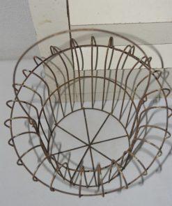 Madamvintage - Oude draad/metalen mand